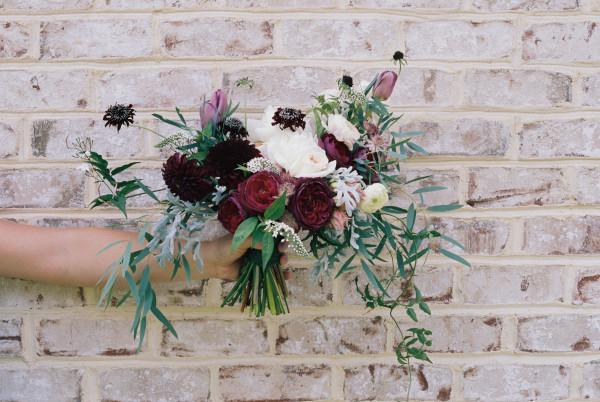 wild and free wedding flowers