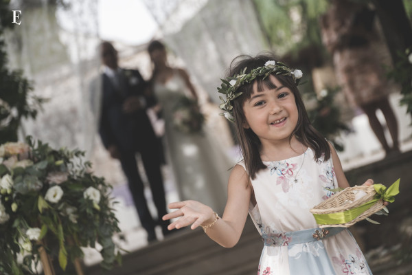 Flower girl wedding abroad